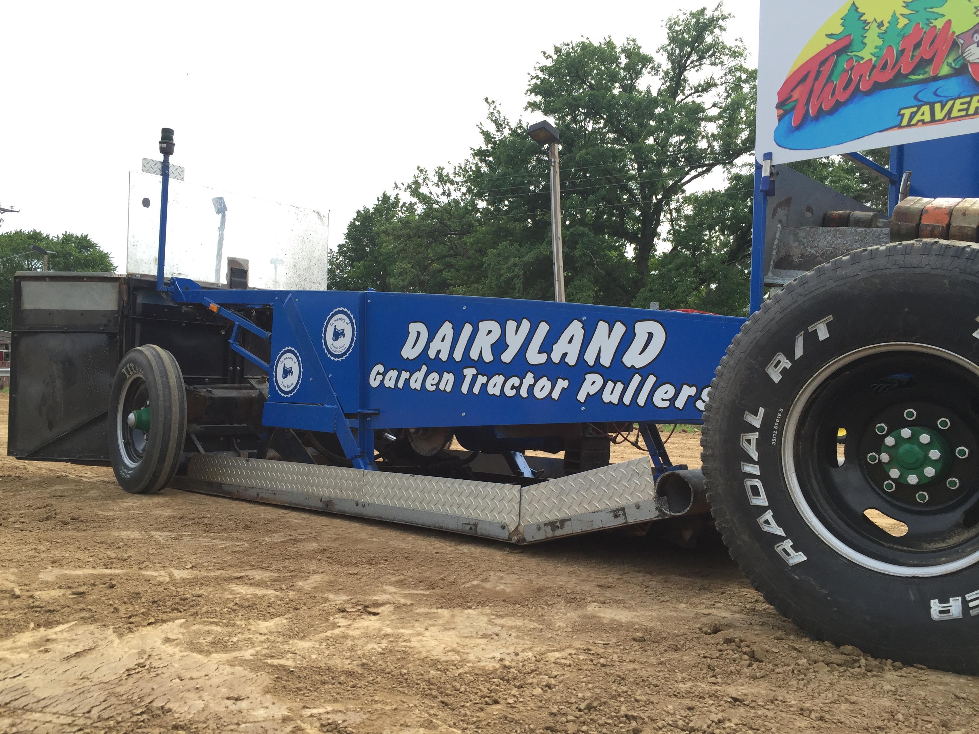 Garden Pulling Tractor Decal : Dairyland garden tractor pullers